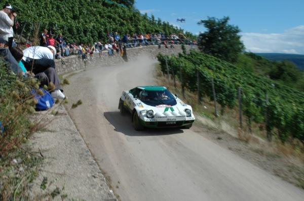 En 1977 Lancia se centró en el Fiat 131 Abarth, lo que impidió que el Stratos continuara su camino triunfal