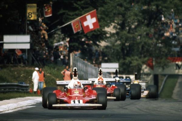 Lauda durante un instante del GP de Italia de 1975